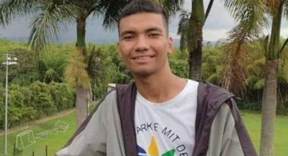 """Según su familia, no pertenecía a la """"primera línea"""". Foto: Facebook Santiago Ochoa"""