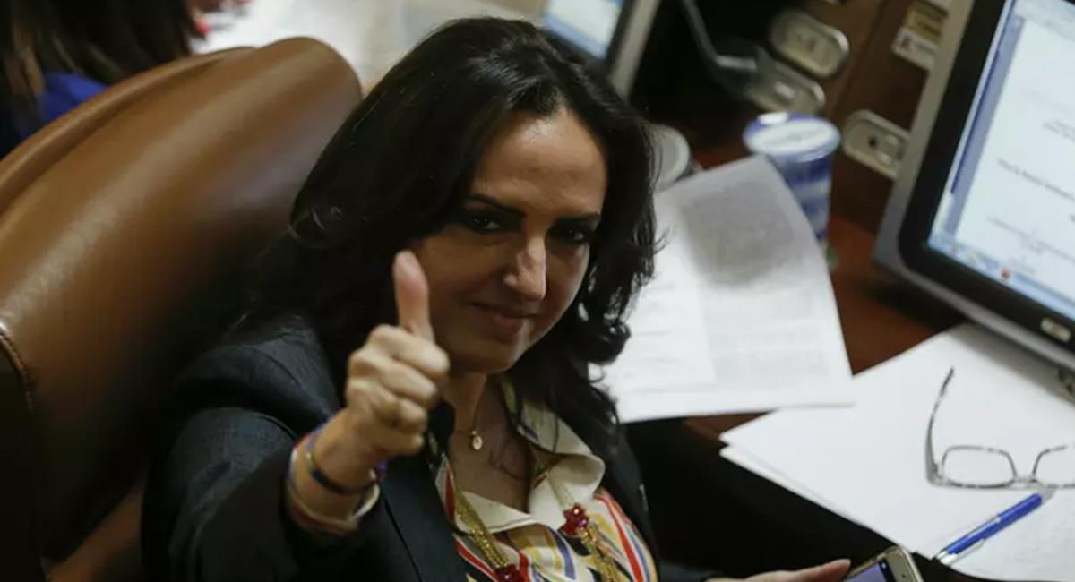 """María Fernanda Cabal considera que Gustavo Petro es candidato de la Colombia """"infrahumana"""". Foto: Twitter @rcnradio"""