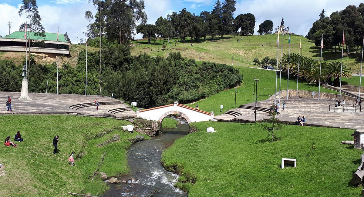 El Puente de Boyacá es uno de los monumentos más visitados de la ciudad. Foto: Twitter @pao_renderos