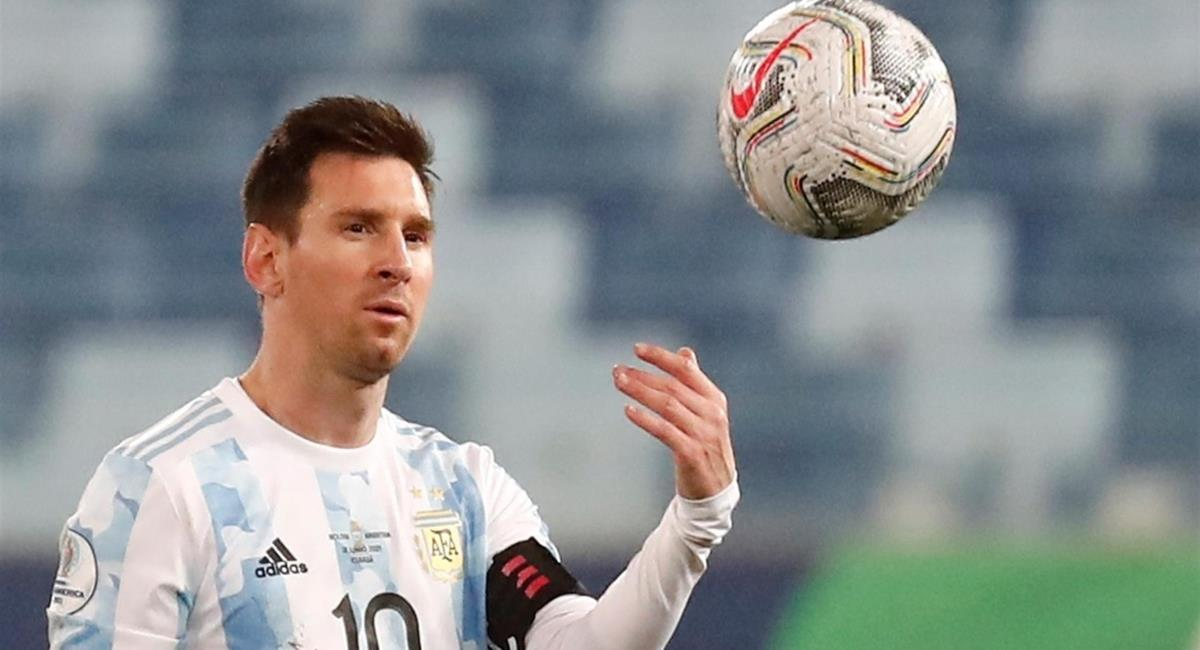 Argentina goleó a Bolivia y terminó líder del grupo. Foto: EFE