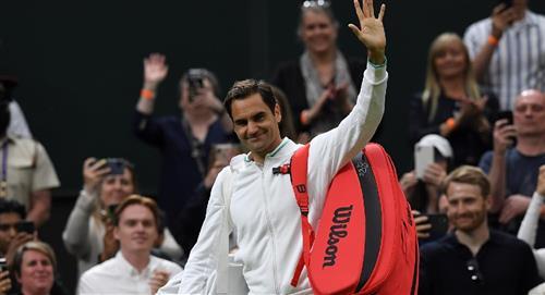 Roger Federer vuelve a Wimbledon y se clasifica a 2da ronda