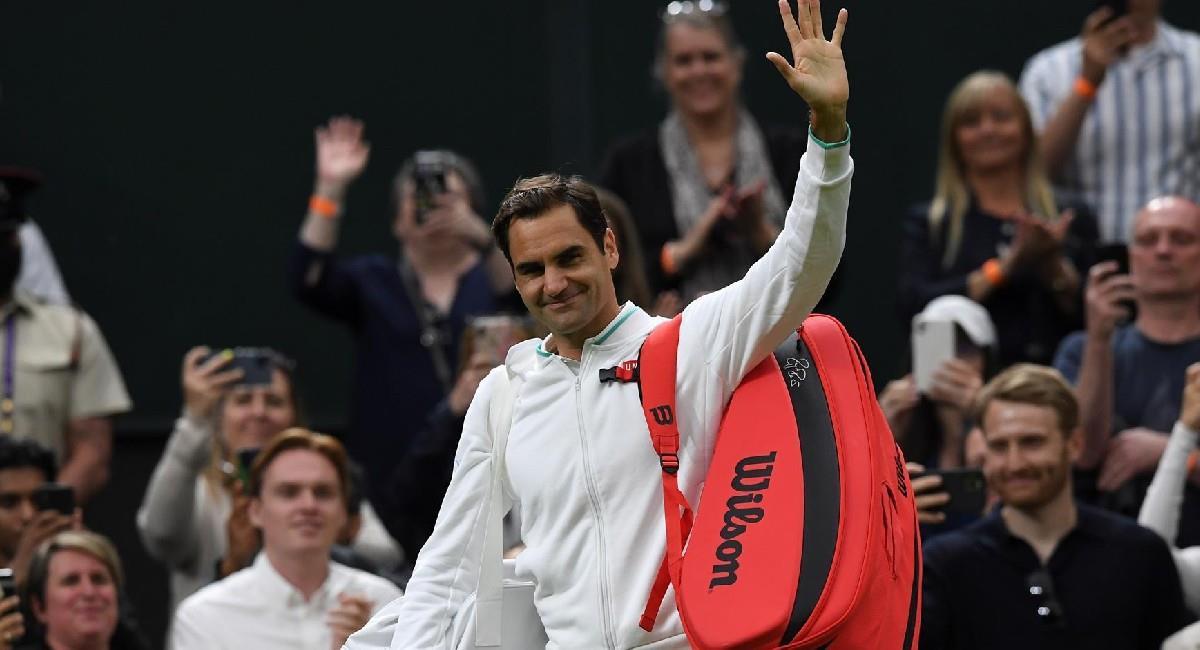 Roger Federer celebra su triunfo en Wimbledon. Foto: EFE