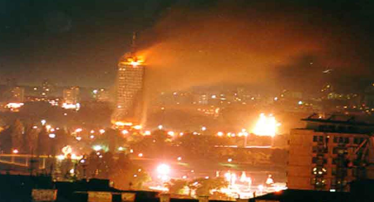 La OTAN, liderada por Estados Unidos bombardeó Yugoslavia sin autorización de la ONU en 1999. Foto: Twitter @MilijanaM