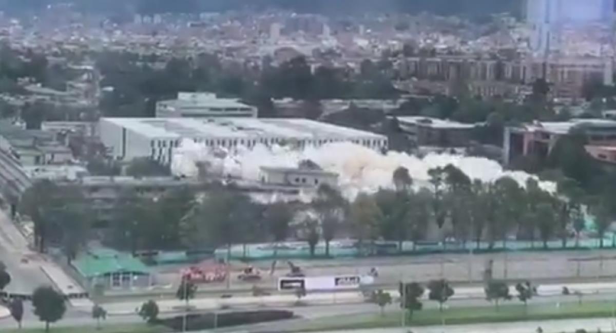 Implosión del Edificio del Ministerio de Defensa Nacional. Foto: Twitter @mindefensa