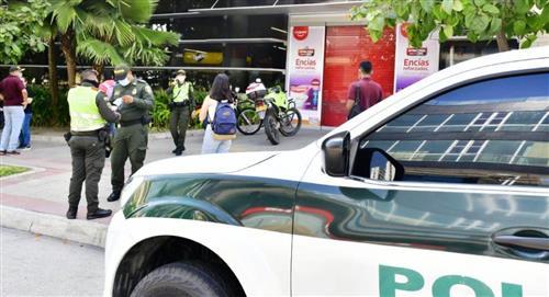 Hombre armado amenaza con quitarse la vida en almacén de Barranquilla