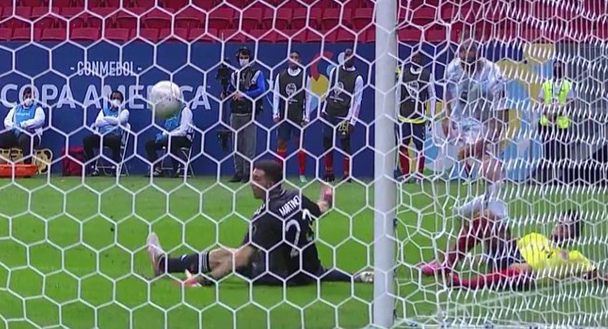 Luis Díaz fue una pesadilla para Argentina y se convirtió en el mejor jugador de Colombia ante Argentina. Foto: Twitter @Matchday365