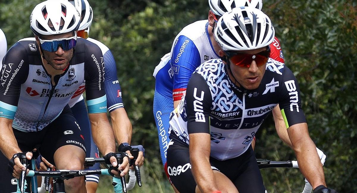 Sergio Luis Henao en la etapa 12 del Tour de Francia 2021. Foto: Twitter @QhubekaAssos