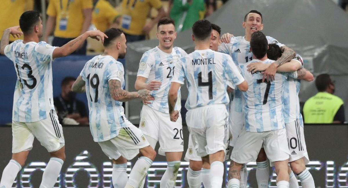 Argentina celebra el gol de Angel Di María que le dio el título de la Copa América 2021. Foto: EFE