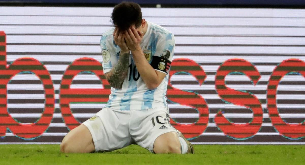 Lionel Messi celebra su título con Argentina. Foto: EFE