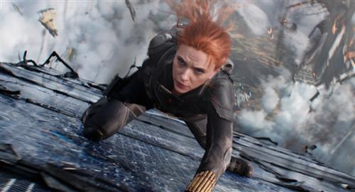 """""""Black Widow"""" recauda 215 millones de dólares en todo el mundo en su arranque"""