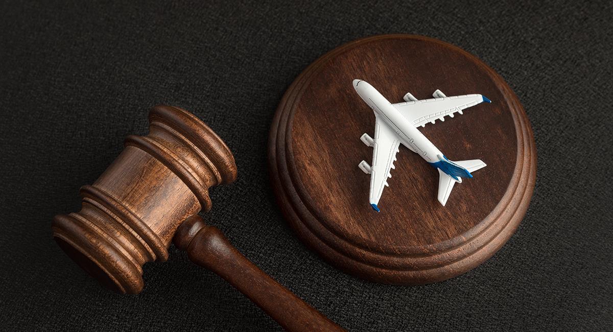 La indemnización a una mujer tras ganar pleito contra reconocida aerolínea. Foto: Shutterstock