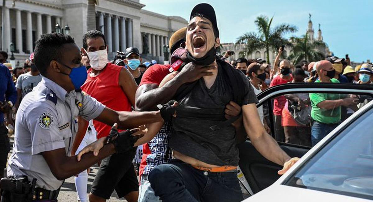 Las detenciones en Cuba han sido documentadas, sin embargo, no se sabe nada de cientos de ciudadanos. Foto: Twitter @LaProfeRicardo