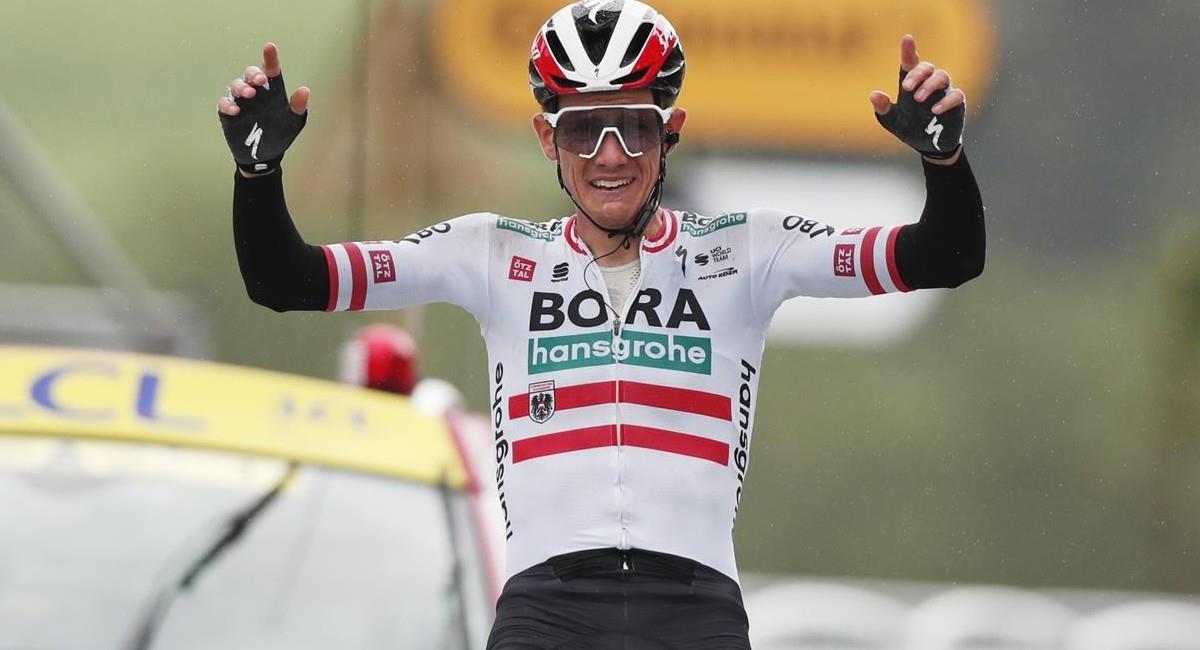Patrick Konrad celebra la victoria de la etapa 16 del Tour de Francia 2021. Foto: EFE