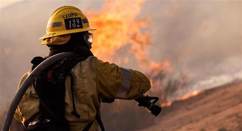 El mayor incendio activo en EE.UU supera las 80.000 hectáreas calcinadas
