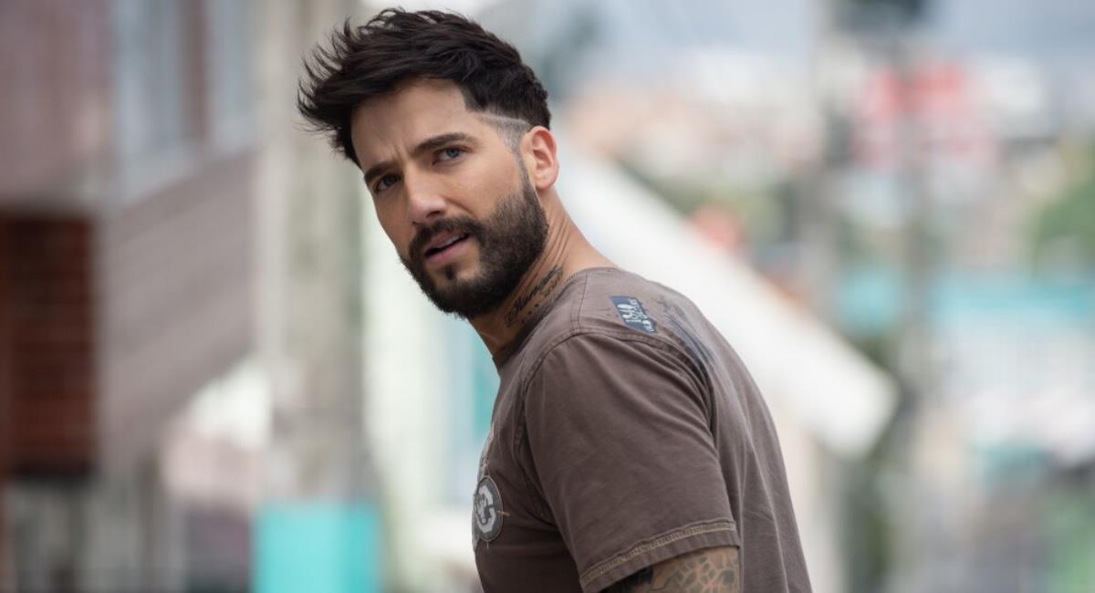 El actor fue muy profesional y no detuvo la grabación de la escena. Foto: Caracol Televisión.