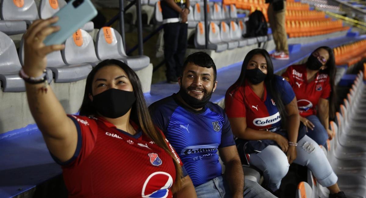 Regresó el público al fútbol colombiano. Foto: EFE