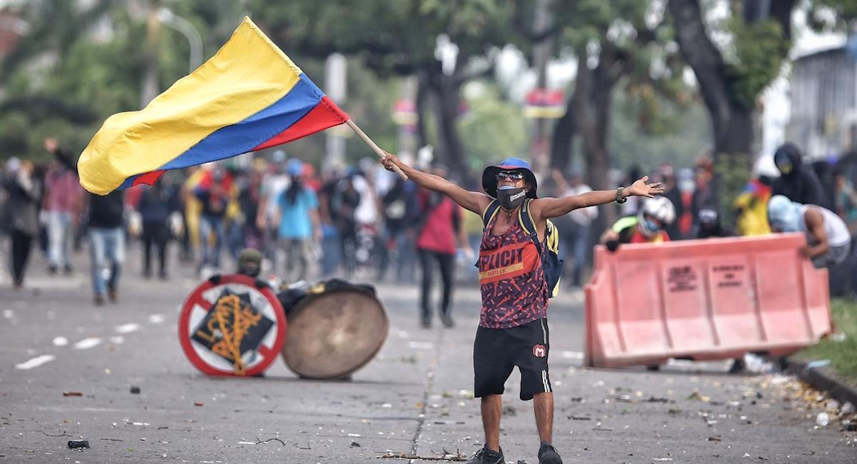 50 personas resultaron heridas durante marchas del 20 de julio. Foto: EFE