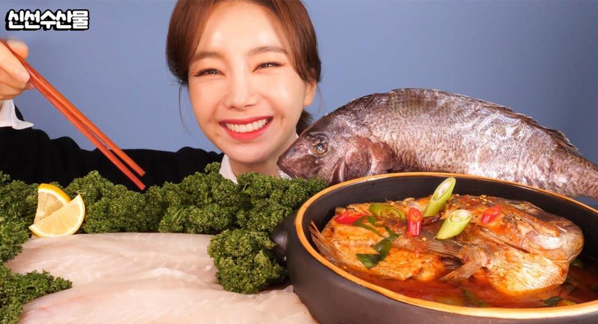 Indignación por youtuber que cocina y come animales vivos mientras se graba. Foto: Instagram @ssoyoung_mukbang