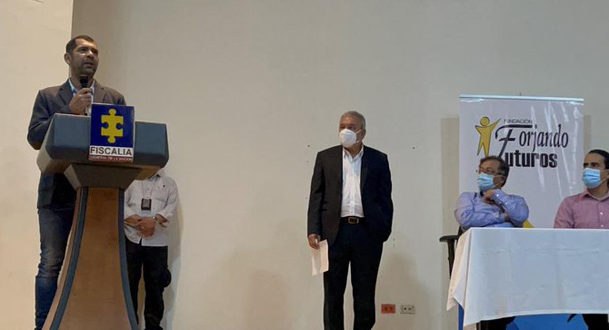 Fueron presentadas excusas públicas por parte de un hombre que amenazó a Gustavo Petro en 2018. Foto: Twitter @AndresCamiloHR