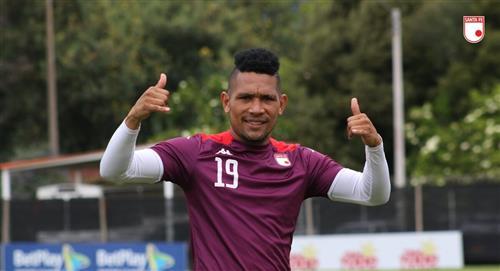 El panameño Ronaldo Dinolis es nuevo delantero de Independiente Santa Fe