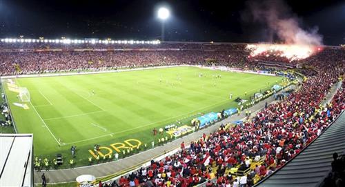 Claudia López confirmó que habrá público en los estadios