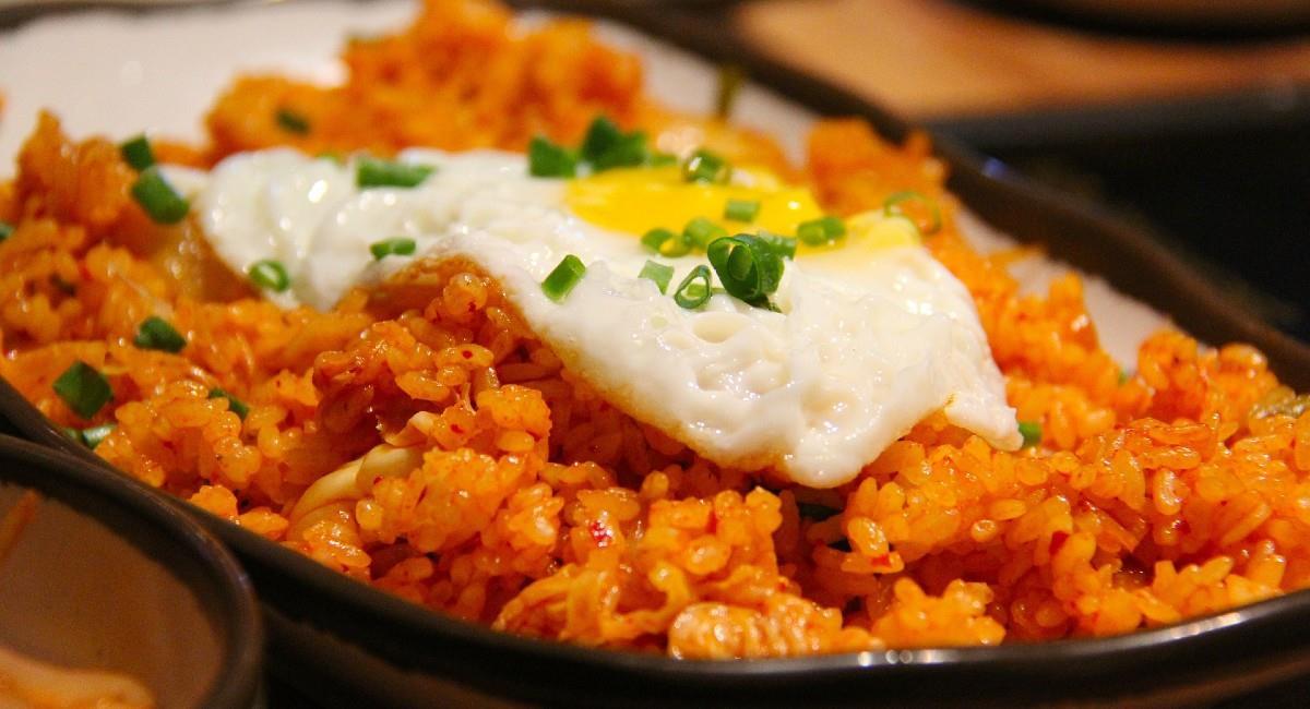 Existen una variedad de recetas para preparar el arroz que no te puedes perder. Foto: Pixabay