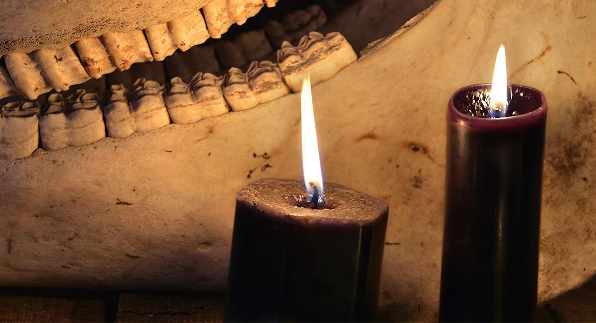 Te contamos para qué sirven las velas negras en el esoterismo. Foto: Shutterstock