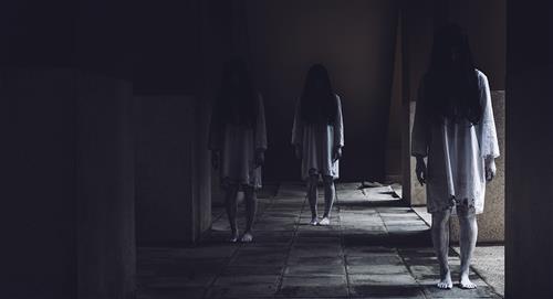 """Graban momento en el que """"fantasma"""" de una niña se manifiesta"""