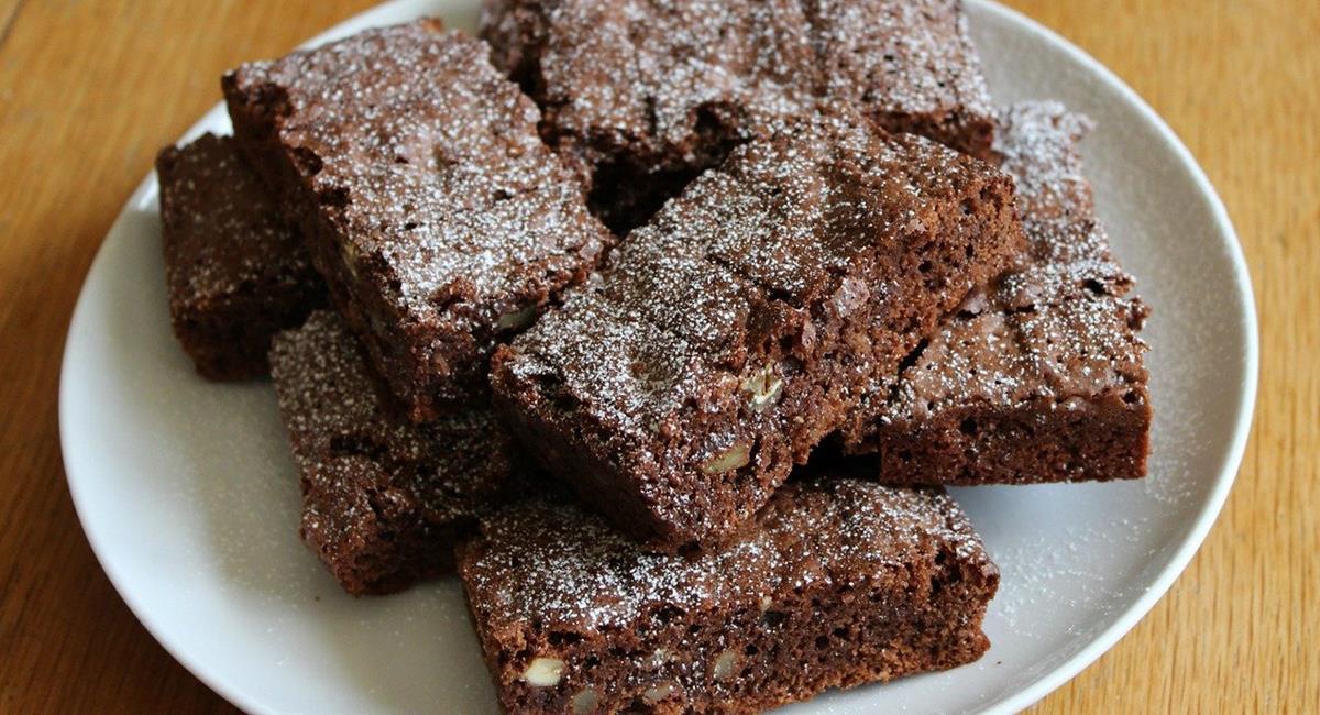 Los brownies siempre serán un postre delicioso, aunque esta versión puede ser una alternativa saludable. Foto: Pixabay