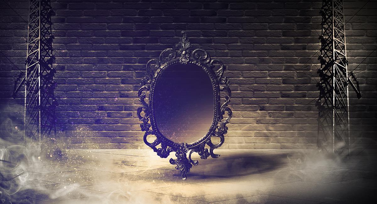 Espejito, espejito: paso a paso para hacer tus consultas a través de un espejo. Foto: Shutterstock