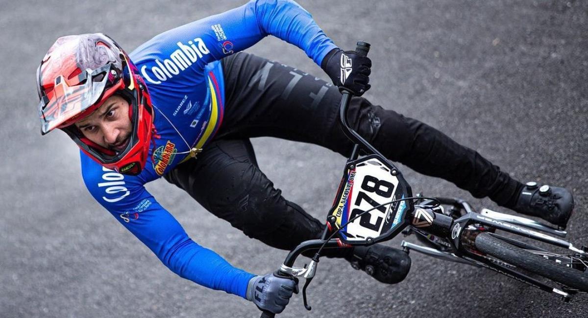 Carlos Ramírez clasificado a la semifinal del BMX Olímpico. Foto: Instagram Prensa redes Carlos Ramírez.