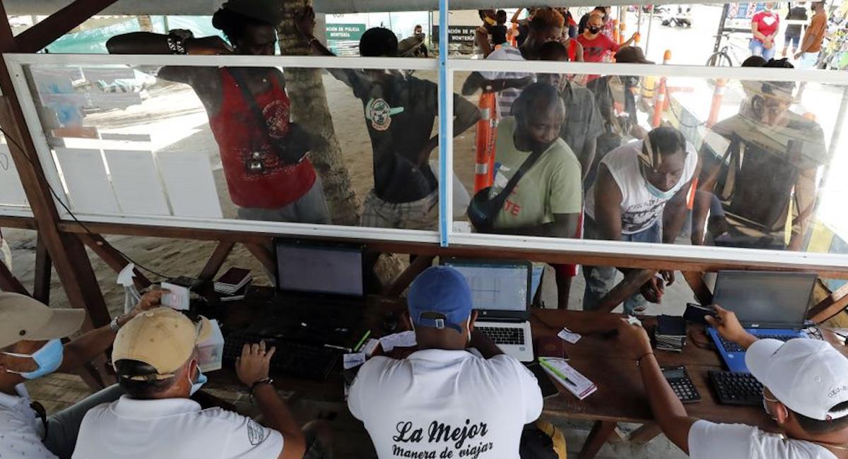 Crisis por migrantes haitianos en Necoclí, Antioquia. Foto: EFE