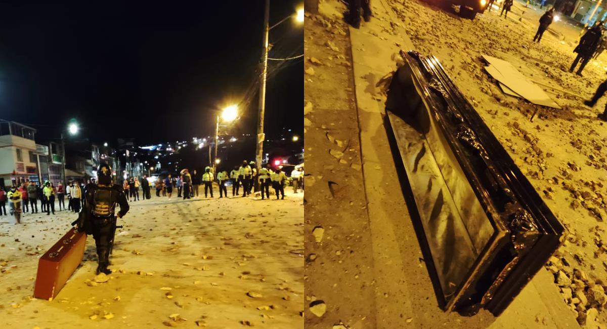 Ataúdes robados sirvieron como escudos para los manifestantes en enfrentamientos con la Policía. Foto: Twitter @personeriabta
