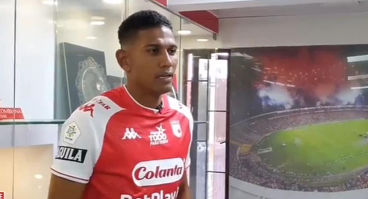 El actual jugador de Santa Fe, Alex Mejía fue víctima delincuentes en su casa. Foto: Instagram Santa Fe