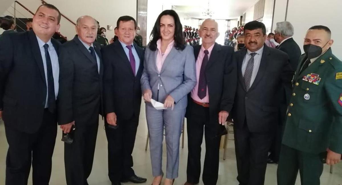 María Fernanda Cabal ha sido una defensora del legítimo derecho a la defensa por medio de las armas de fuego. Foto: Twitter @MariaFdaCabal