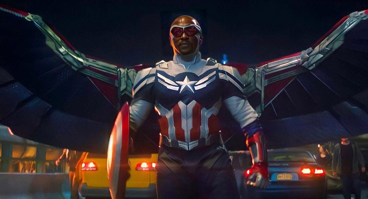 """Sam ya lució su nuevo traje de Capitán América en """"Falcon and the Winter Soldier"""". Foto: Twitter @falconandwinter"""