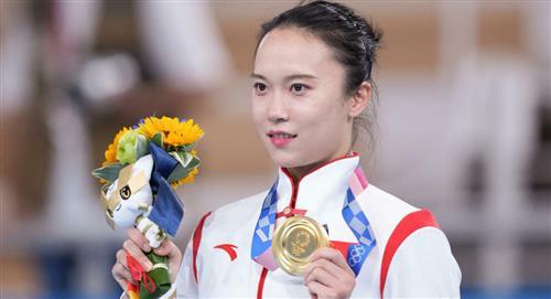 Deportista China dice que su medalla de oro se esta dañando