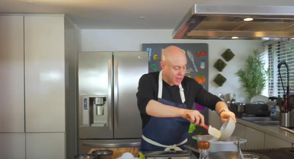 El secreto del sudado es tener claros, los tiempos de cocción de cada ingrediente. Foto: Youtube