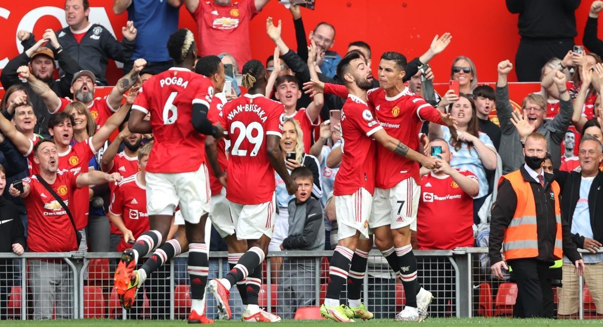 Cristiano figura y doblete en su debut con el United. Foto: Twitter @ManUtd