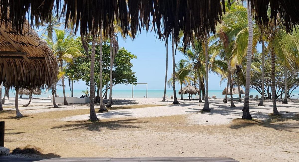 Palomino, es uno de los lugares más visitados de La Guajira. Foto: Twitter @Hotelsguidecol