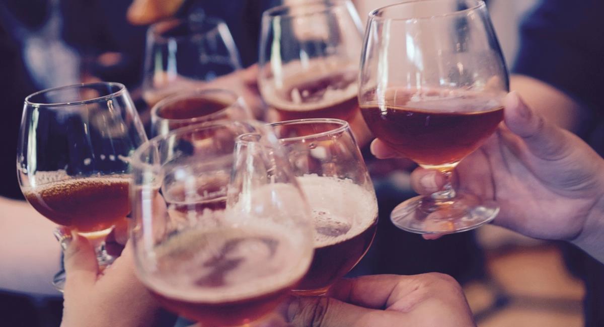 Ingesta de alcohol antes o después de la vacuna COVID-19. Foto: Pixabay