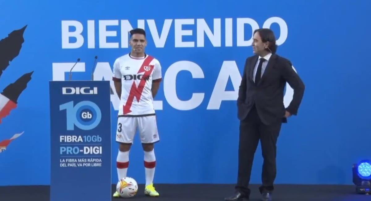 Falcao presentado en el Rayo Vallecano. Foto: Youtube Prensa redes Rayo Vallecano.