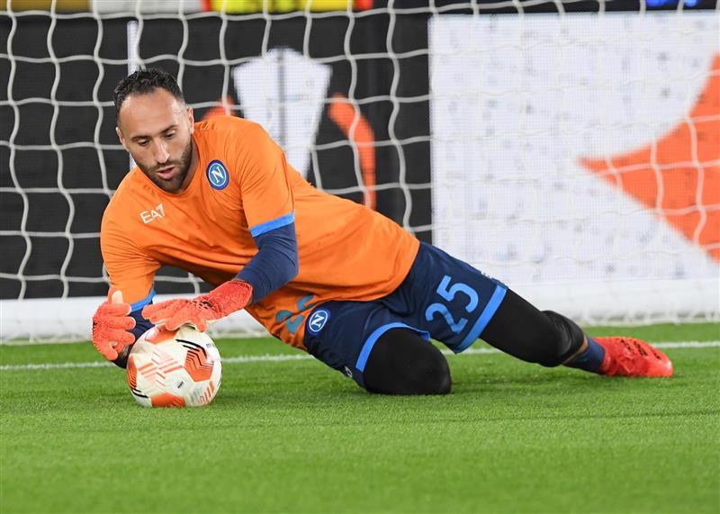 Ospina titular en el empate del Napoli frente al Leicester City