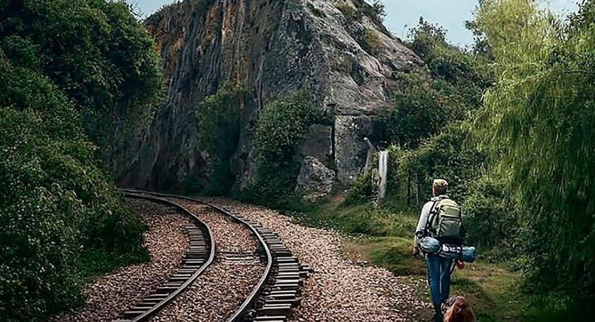 Las rocas de Suesca son el plan ideal para esos que son atrevidos y aventureros. Foto: Twitter @ColDesconocida