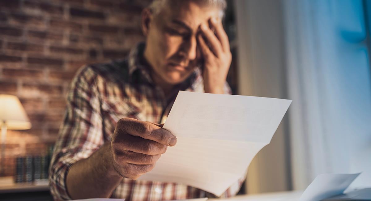Poderosa oración para salir de deudas y tener estabilidad económica. Foto: Shutterstock