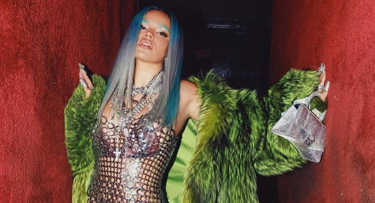 La cantante sorprendió a sus fans con un nuevo hit mundial. Foto: Instagram @karolg.