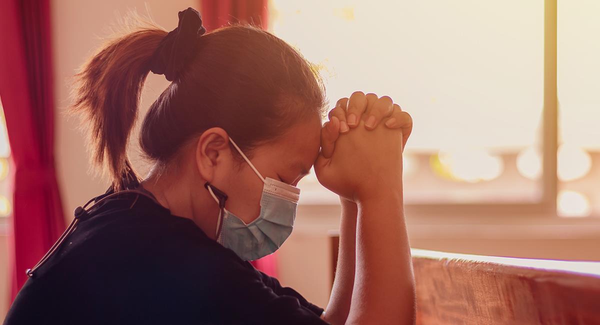 Reza esta oración para pedir un milagro en tu salud y en la de tus seres queridos. Foto: Shutterstock