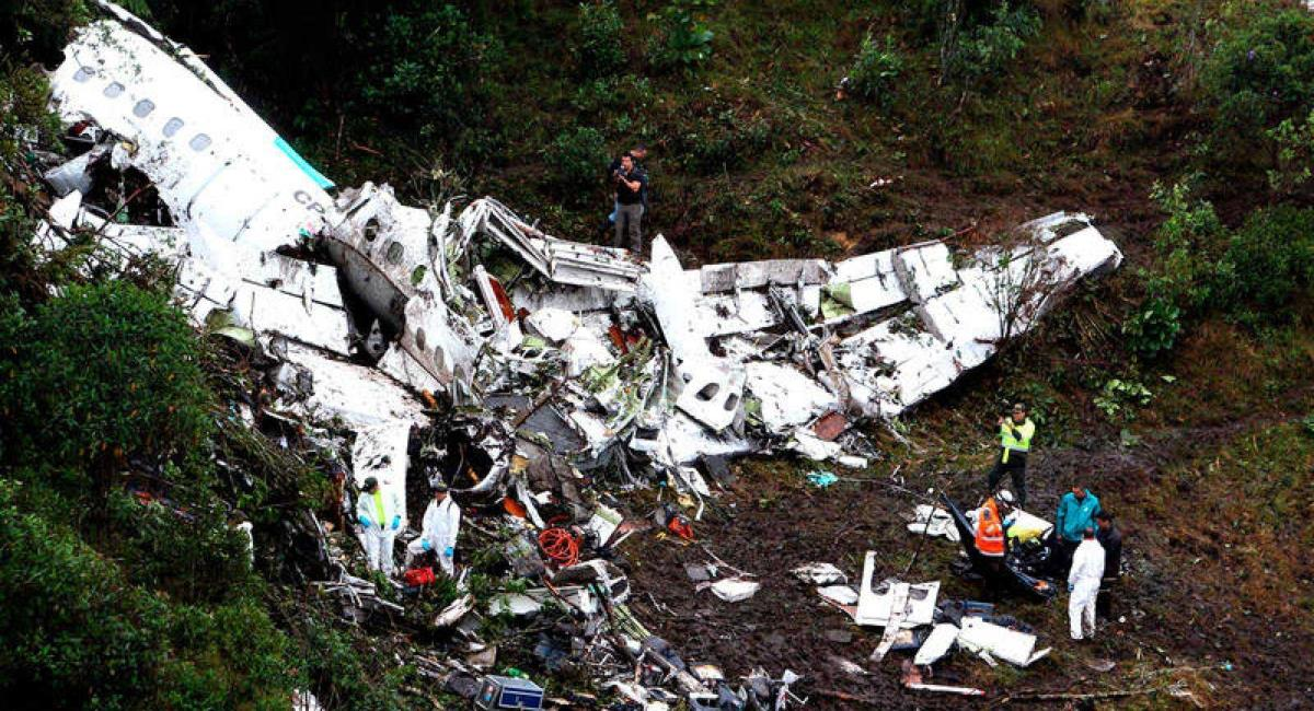 Capturan a mujer que analizó la aprobación de vuelo en el accidente de Chapecoense. Foto: EFE
