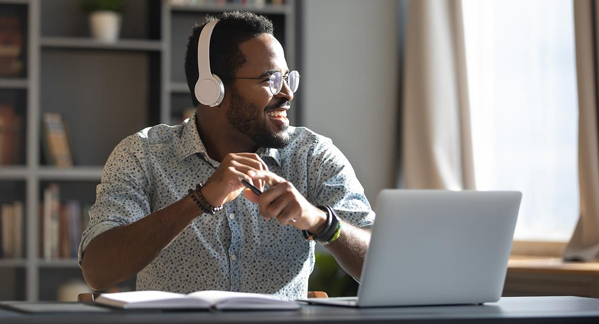 Home Office: 7 signos del zodiaco que aman trabajar desde casa. Foto: Shutterstock