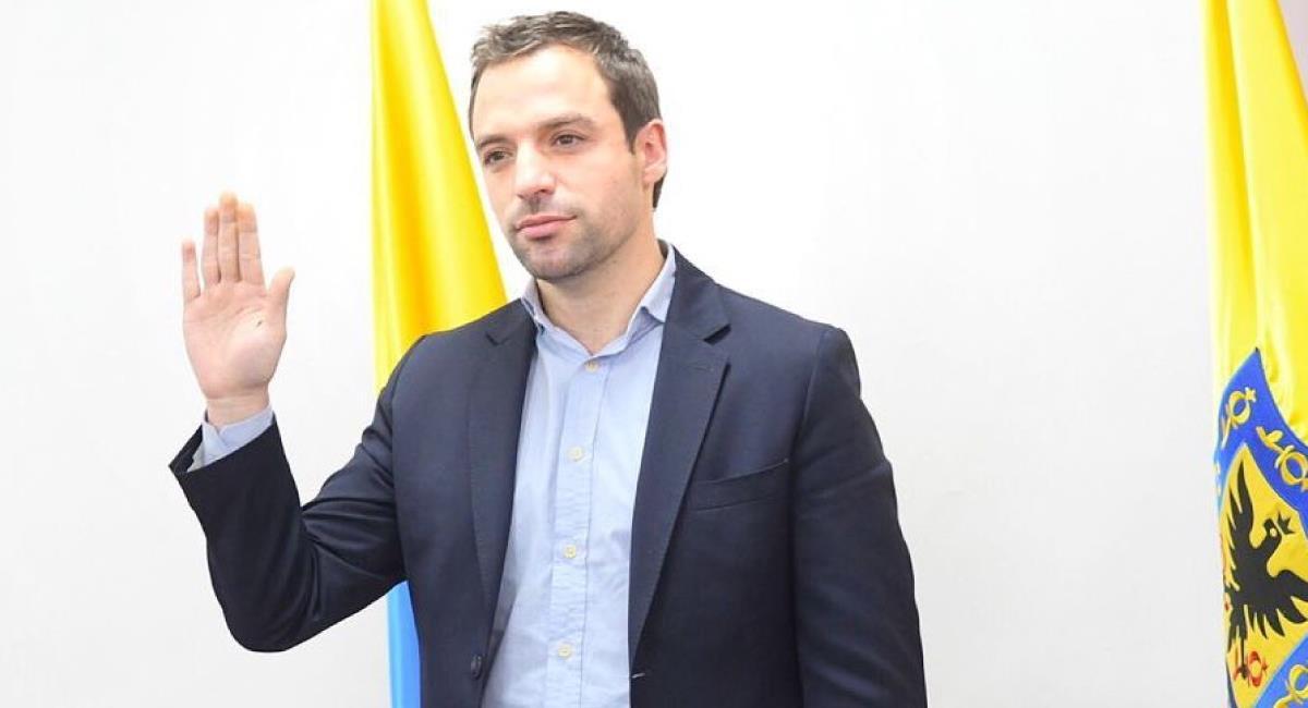 Claudia López nombró alcalde de Bogotá a Luis Ernesto Gómez. Foto: Twitter @LuisErnestoGL